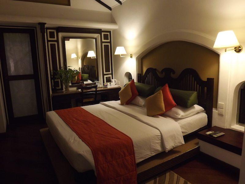 cinnamon lodge room