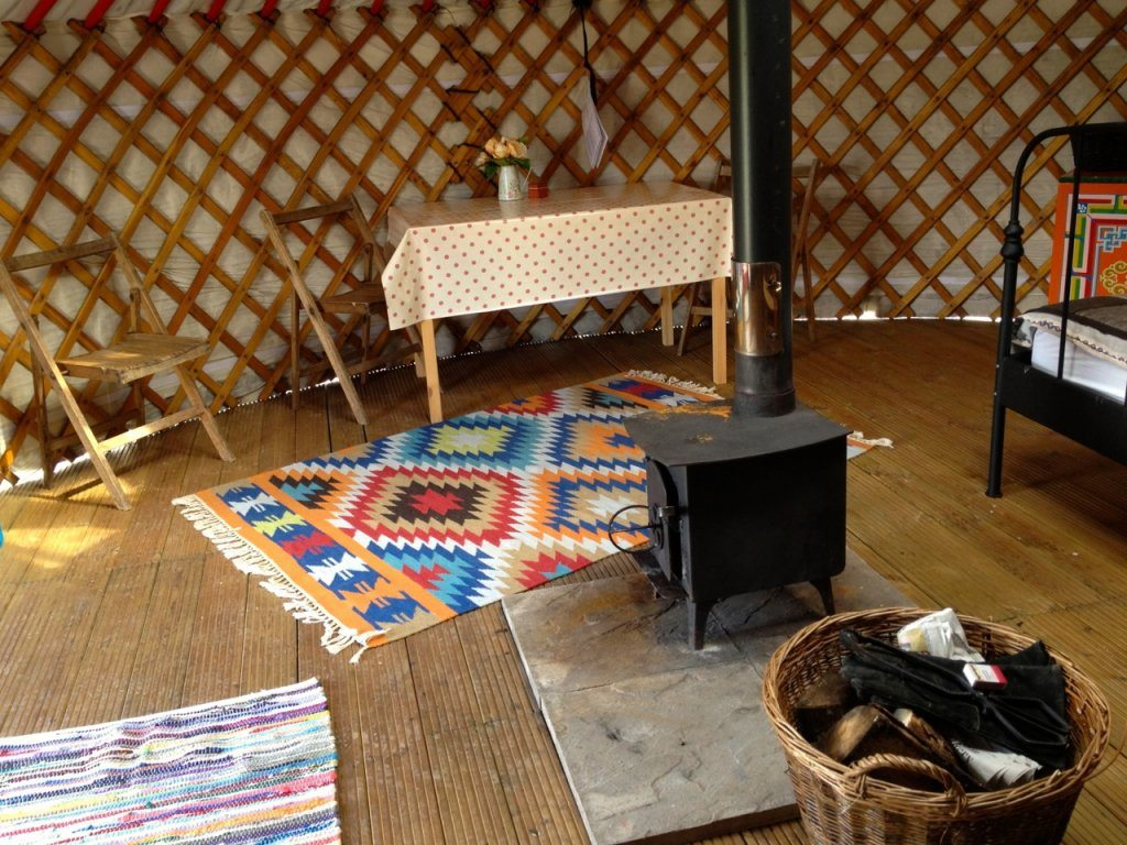 somerset yurts facilities