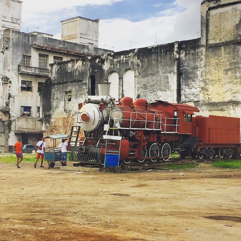 Life in Havana - just your average train parked up on the side of the road!