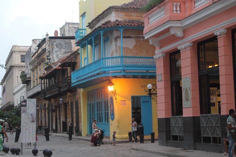 Wandering the streets of Habana Vieja.