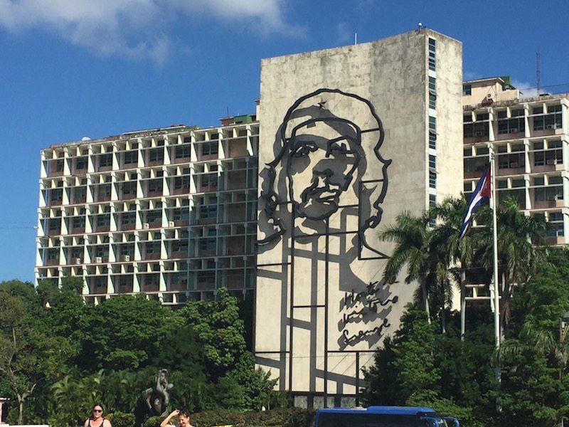 Che overlooks Revolution Square.