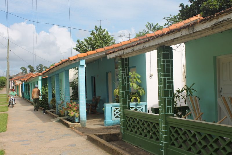There's cute & colourful houses everywhere you look in Viñales.
