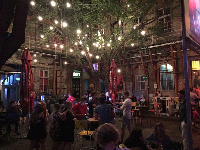 Fogas Haz ruin pub budapest