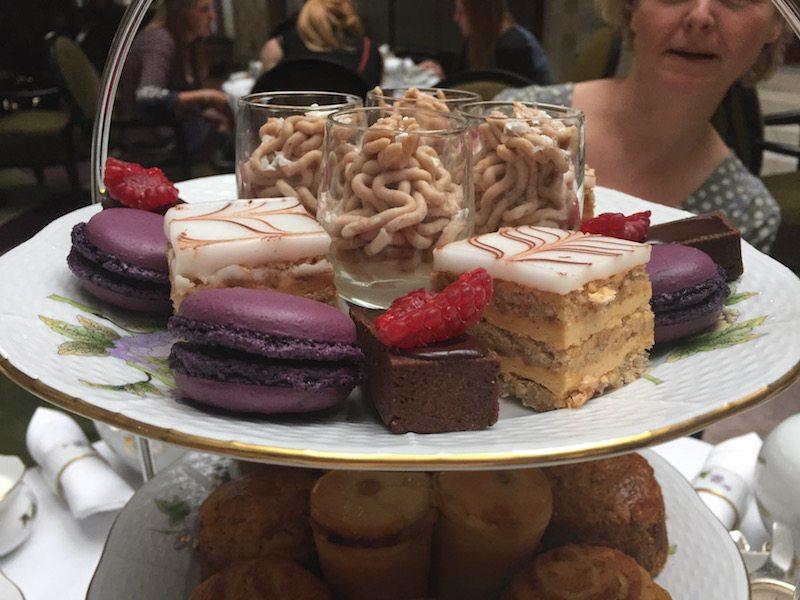 Afternoon tea four seasons gresham palace cakes