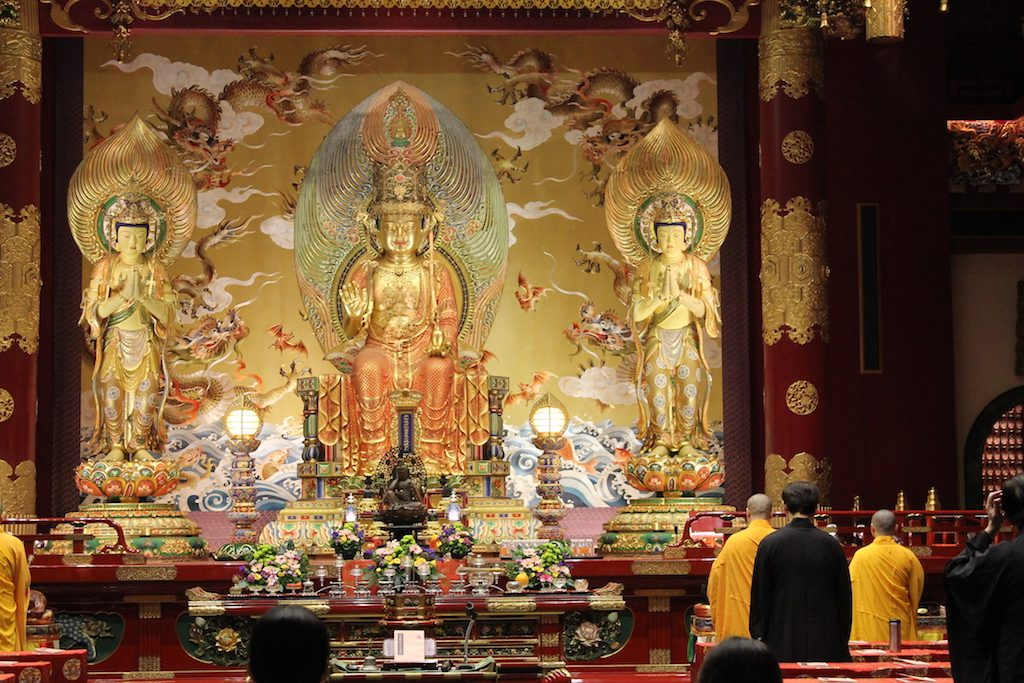 Buddha Tooth Relic Temple | Ladies What Travel