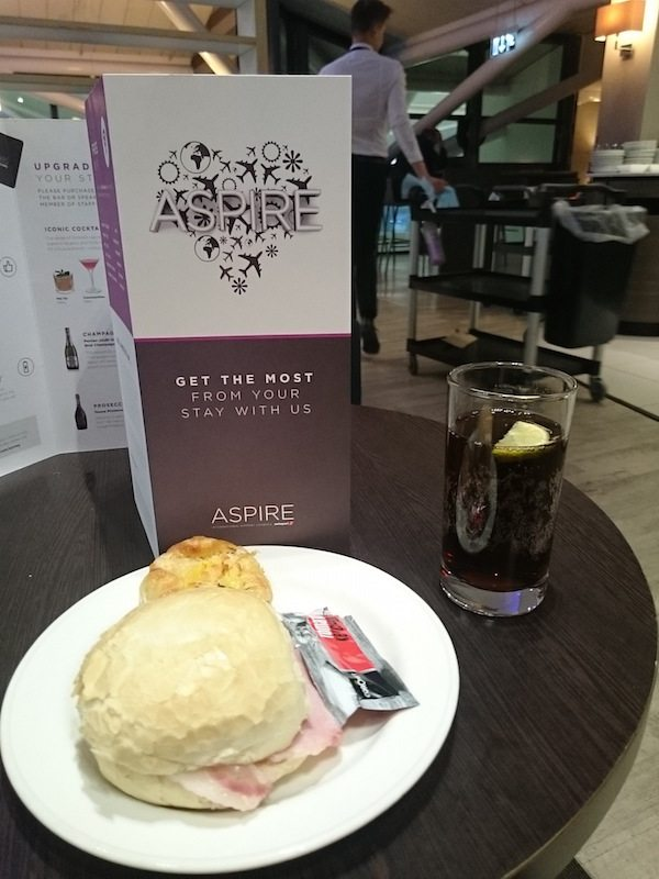 Aspire lounge bristol aiport breakfast
