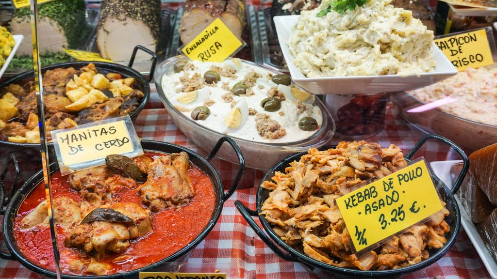 dishes-at-malaga-market