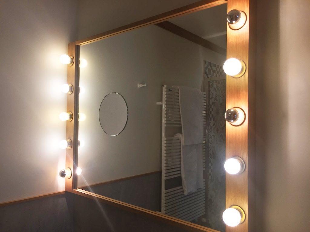 Hotel Ambra Cortina bathroom mirror