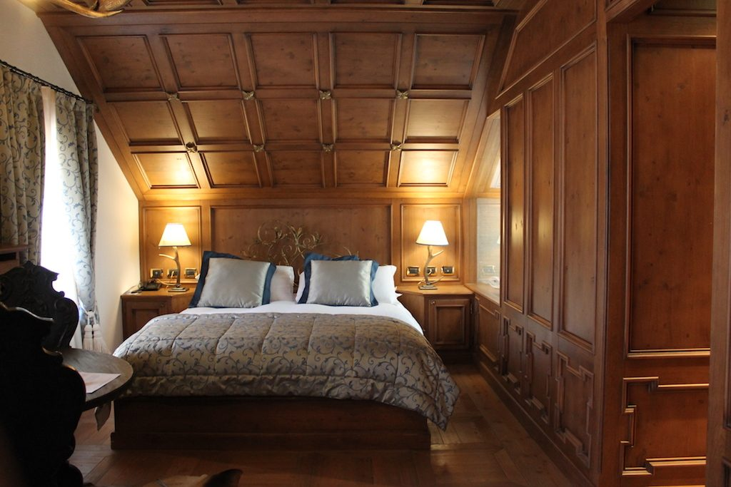 luxury room Hotel Ambra Cortina | Ladies What Travel