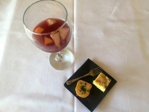 Sangria and spanish omlette