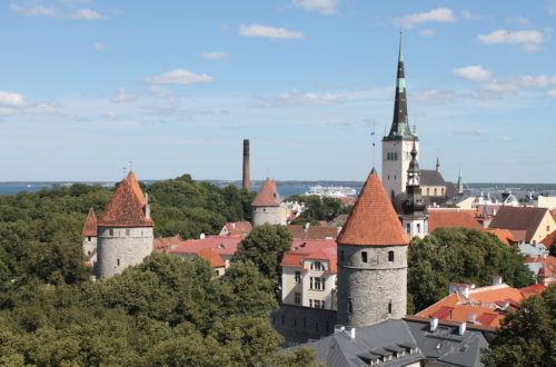 Tallinn old town free walking tour