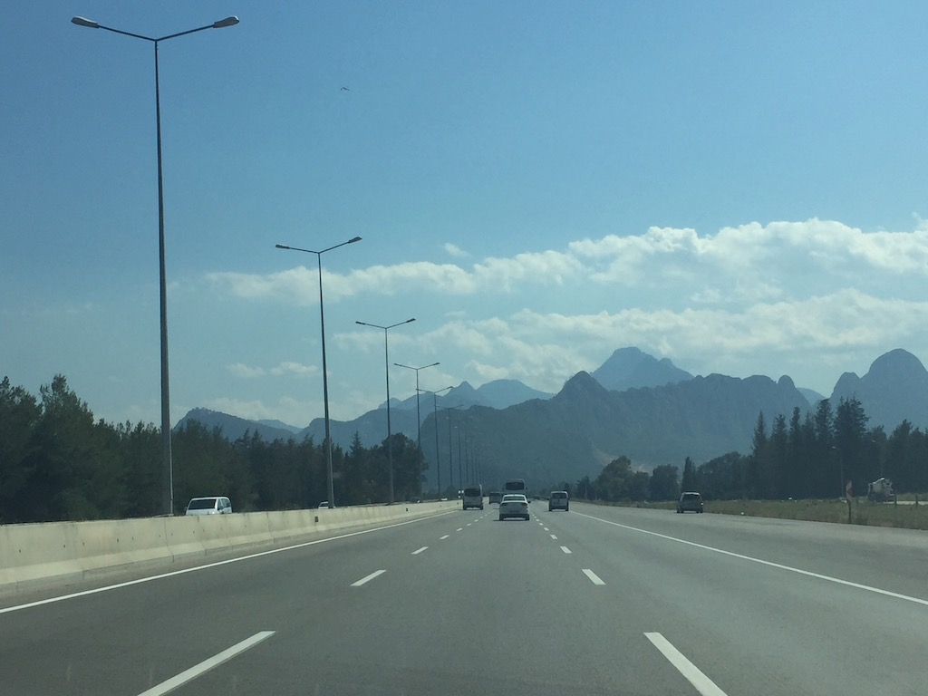 driving the D400 road in turkey