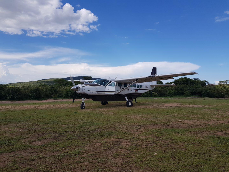 Landing at Siana airstri, Masai Mara, Kenya