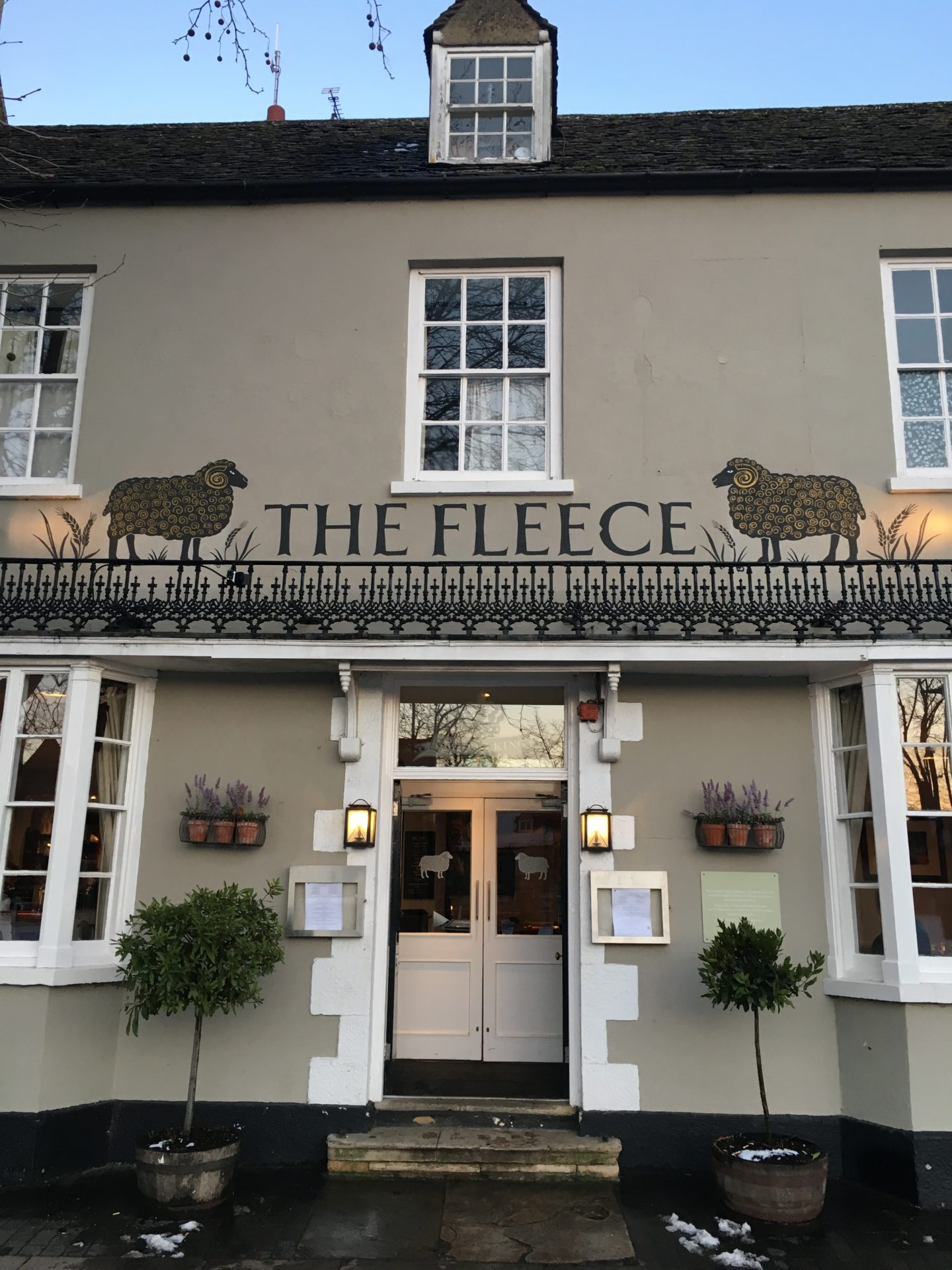 A Peachy Stay at The Fleece, Witney