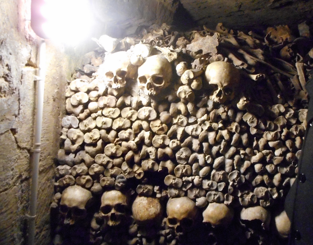 A day in Paris, Catacombes